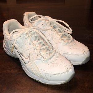 Women's Nike T-Lite VII Leather Sneakers Sz 10
